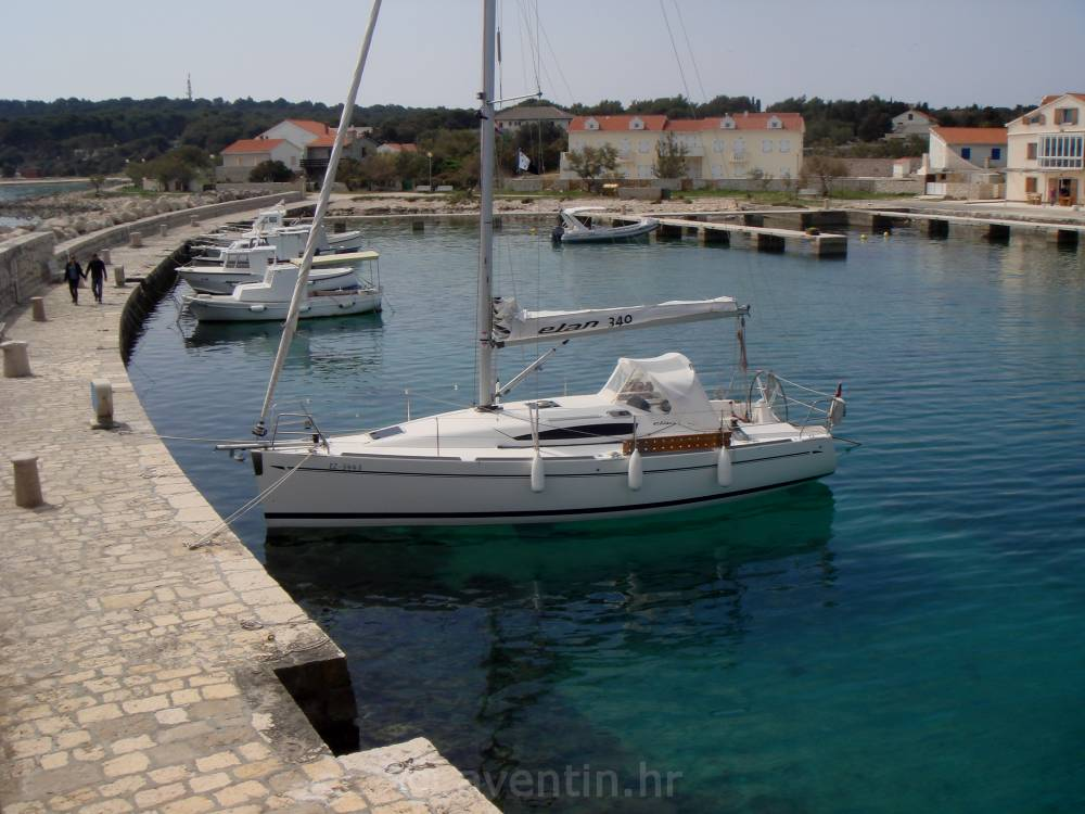 Adriatic • harbours and anchorages
